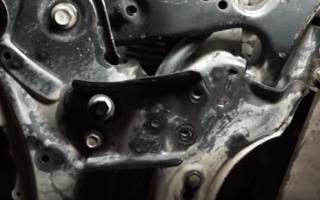 Тойота Королла 150 замена втулок стабилизатора