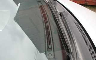 Тойота Королла замена лобового стекла